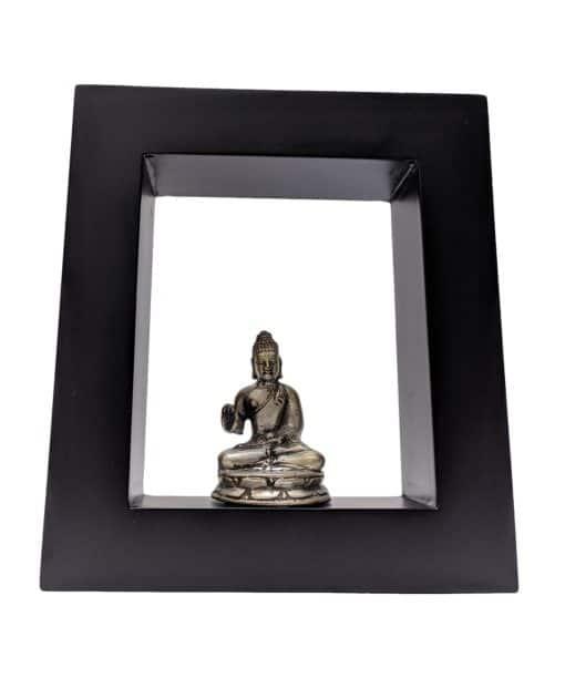 Boeddhabeeld zittend in lijst – 16 cm brons